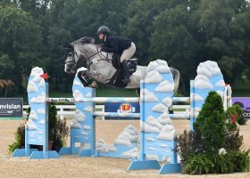Amateur equestrian horse showing success and sanity how-to with the Kasper Sisters.